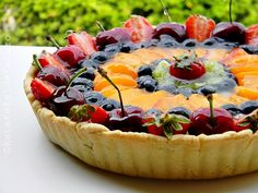 Tarta cu crema de vanilie si fructe 044 Sweets Recipes, No Bake Desserts, Baking Recipes, Cake Recipes, Romania Food, Sweet Tarts, Homemade Cakes, No Bake Cake, Food To Make