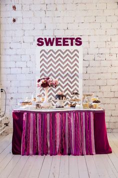 Свадебные приглашения: фото и идеи свадебных приглашений - Невеста.info Birthday Cake, Sweets, Invitations, Candy, Bar, Desserts, Food, Tailgate Desserts, Gummi Candy