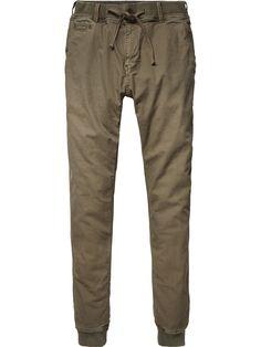 Sweat Inspired Chino Pants |Pants|Men Clothing at Scotch & Soda