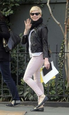 I think that this may be the definition of Chic. I heart Michelle Williams!