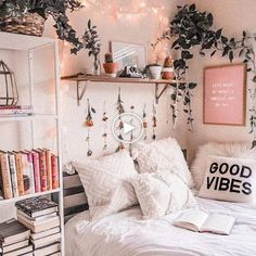 127 fantastic college bedroom decor ideas and remo Cute Bedroom Ideas, Cute Room Decor, Room Decor Bedroom, Cozy Bedroom, Bedroom Inspo, Bedding Decor, Ikea Bedroom, Bedroom Inspiration, Bedroom Furniture