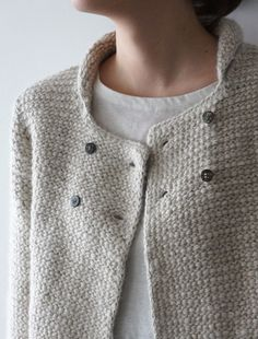 Looking for crochet patterns that are as nice/modern as knitting ones for ladies Fashion Mode, Look Fashion, Fashion Design, Womens Fashion, Looks Style, Style Me, Only Cardigan, Vetements Clothing, Diy Vetement