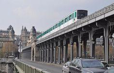 Bir-Hakeim Paris Metro | Métro Parisien - Pont de Bir Hakeim | Métropolitain à Paris ...