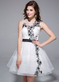 Homecoming Dresses - $106.99 - A-Line/Princess Scoop Neck Short/Mini Organza Homecoming Dress With Lace Sash (022025446) http://jjshouse.com/A-Line-Princess-Scoop-Neck-Short-Mini-Organza-Homecoming-Dress-With-Lace-Sash-022025446-g25446