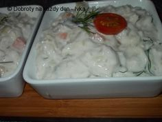 Rybí pochoutka z Korunních sardinek, barevné zeleniny a zakysané smetany. Pudding, Meat, Chicken, Desserts, Food, Tailgate Desserts, Deserts, Custard Pudding, Essen