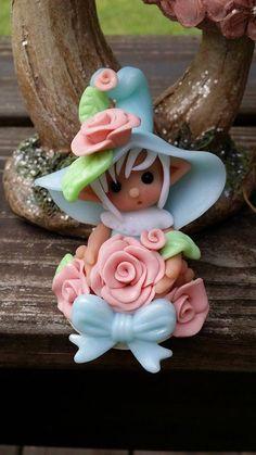 Elf Polymer Clay Figurine Cutie Pie Elfkin in by Whimsybydesign1, $24.00 Polymer Clay Figures, Polymer Clay Dolls, Clay Projects, Clay Crafts, Palmer Clay, Clay Fairies, Play Clay, Baby Fairy, Clay Figurine