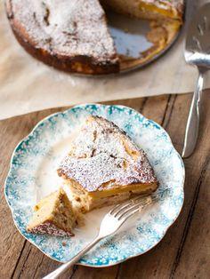 Quinoa Peach Cake. Plus it's gluten-free!  http://www.ivillage.com/quinoa-cakes-cookies-desserts/3-a-561441