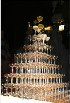 Vintage champagne glasses being used as table decoration?Naff idea or good idea? - Weddingbee