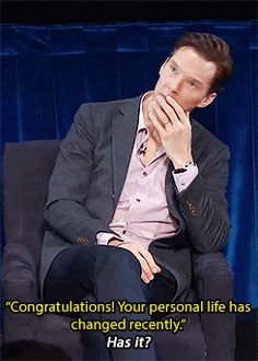 (gif) Awe, his ring. :)
