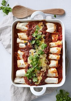 Veggie Dishes, Veggie Recipes, Vegetarian Recipes, Breakfast Lunch Dinner, Dessert For Dinner, Vegetarian Enchiladas, Eat The Rainbow, Tzatziki, Halloumi