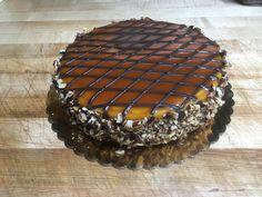 Caramel Turtle Cheesecake Turtle Cheesecake, Tiramisu, Dawn, Caramel, Baking, Ethnic Recipes, Sweet, Food, Salt Water Taffy