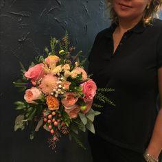 Stunning Bridal bouquet with Peach Juliet roses, Sweet Avalanche&Spray roses, gypsophila, veronica, dahlias, soft ruscus, eucalyptus. hypericum berries.