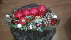 Adventný veniec červený Christmas Wreaths, Holiday Decor, Home Decor, Decoration Home, Room Decor, Home Interior Design, Home Decoration, Interior Design