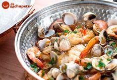 Recetaza en el blog, de nuestro vecino Portugal. Cataplana de pescado y mariscos http://www.recetasderechupete.com/cataplana-de-pescado-y-mariscos-receta-portuguesa/11574/ #cataplana #derechupete