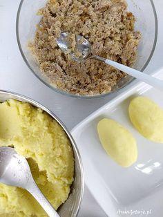 Kluski z mięsem | AniaGotuje.pl Polish Recipes, Dim Sum, Dumplings, Oatmeal, Food And Drink, Cooking, Breakfast, Dinners, Food
