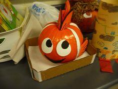 pinner: This was my daughter's school project assignment- Turn a pumpkin into a character from a story she had read. Can you believe we were the only ones to make a Nemo? Pumpkin Books, Pumpkin Art, Cute Pumpkin, Pumpkin Ideas, Cute Halloween, Halloween Pumpkins, Halloween Crafts, Pumpkin Decorating Contest, Pumpkin Contest