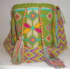 Risultati immagini per wayuu bag Tapestry Bag, Tapestry Crochet, Love Crochet, Crochet Hats, Mochila Crochet, Boho Bags, Yarn Projects, Textiles, My Bags