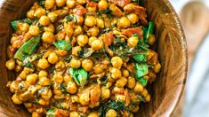 This belly-warming Vegetarian Chickpea Curry With Coconut Milk is the perfect dish to curl up with on cool nights. Makes for a great side dish or main! Vegetarian Chickpea Curry, Chickpea Recipes, Veg Recipes, Vegetarian Recipes, Cooking Recipes, Coconut Milk Curry, Rabbit Food, Chana Masala, Main Dishes
