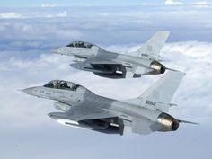 팬저의 국방여행 : F-16 바탕화면