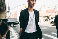 New York Fashion Week: Men's Street Style Was All About the Accessories - Street Style-Wmag
