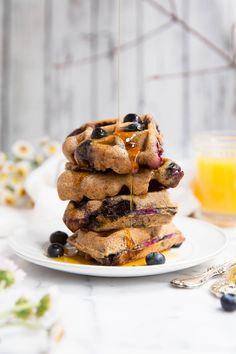 12. Almond Butter Blueberry Paleo Waffles #paleo #breakfast #recipes http://greatist.com/eat/paleo-breakfast-recipes