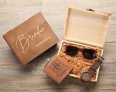 Groomsmen gifts | Etsy Asking Groomsmen, Groomsmen Flask, Groomsmen Gift Box, Be My Groomsman, Groomsman Gifts, Nanjing, Gift Box For Men, Mens Gift Sets, Wooden Gift Boxes