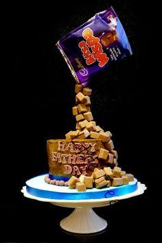 Gravity chocolate cake #laraslittletreats #chocolate #gravity #whispa