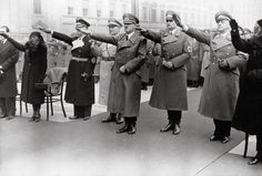 Hitler and other top Nazis saluting at the funeral of the 7 Nazis killed by the 1939 Burgerbraukeller bomb.