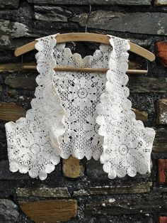 Vintage GUIPURE lace crochet embroidered Waistcoat Vest