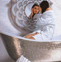 Glass facing bathtub surround / mosaic tile