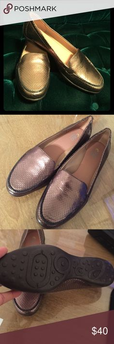 """🌹Easy Spirit e360 Jeyden Bronze Casual Flats! New Leather Easy Spirit e360 Jeyden Casual Flats feature a Leather upper with a Moc Toe. The Man-Made outsole lends lasting traction and wear. Great for work or casual wear! 💕  Heel measures approximately 0.5"""" Easy Spirit Shoes Flats & Loafers"""