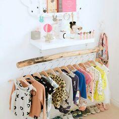 Smart Montessori Ideas For Baby Bedroom 06 Montessori Baby, Montessori Bedroom, Baby Bedroom, Girls Bedroom, Bedroom Ideas, Childrens Bedroom, Bright Nursery, Kids Room Design, Inspiration For Kids