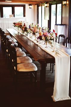 farm table receptions - photo by Feather Love Events http://ruffledblog.com/southern-plantation-wedding-in-charleston #weddingreception #weddingideas