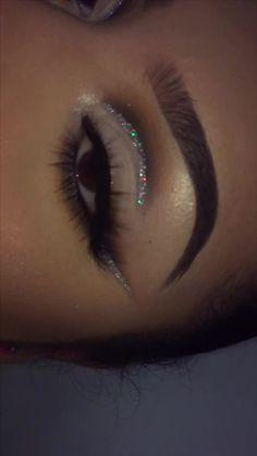 Prom Eye Makeup, Dope Makeup, Fancy Makeup, Edgy Makeup, Glamour Makeup, Eye Makeup Steps, Colorful Eye Makeup, Eye Makeup Art, Pretty Makeup