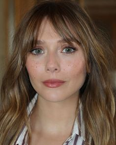 🌟Glowing🌟 for Hair Makeup by me Elizabeth Olsen Scarlet Witch, Long Hair With Bangs, Wispy Bangs, Grunge Hair, Dream Hair, Hairstyles With Bangs, Cut And Color, Hair Inspo, Hair Goals