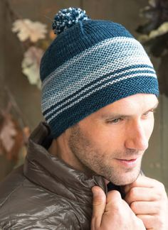 A simple striped hat combining garter and stockinette stitches and 4 colors of Kersti Merino Crepe. Size 6 and 7 needles. Knitted Hats, Crochet Hats, Knit In The Round, Stockinette, Garter Stitch, Easy Knitting, Stitch Markers, Fall 2015, Color Show