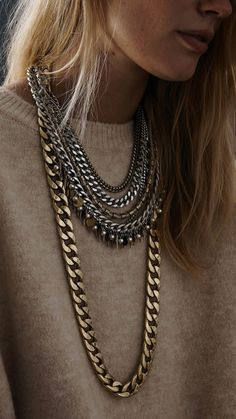I could rock this mixed metal collar necklace day or night!