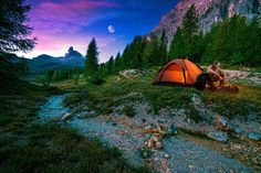Ideal Camp: Flat Ground with Natural Debris for Shelter / Fire, Fresh Water, Wildlife for Food #Survival #Audiobooks