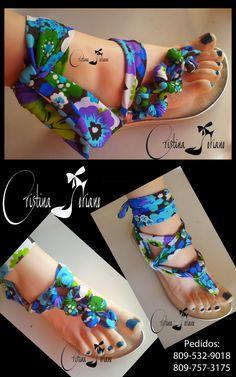sandalias azules Sock Shoes, Cute Shoes, Shoe Boots, Crochet Sandals, Crochet Shoes, Diy Fashion, Fashion Shoes, Bridesmaid Flip Flops, Shoe Makeover