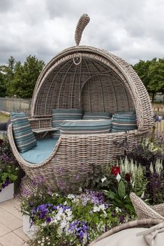 13 Ideas That Can Totally Change Your Backyard Decor And Landscape An outdoor bed Outside Furniture, Backyard Furniture, Outdoor Furniture, Home Room Design, Dream Home Design, Backyard Patio Designs, Backyard Landscaping, Patio Ideas, Backyard Ideas