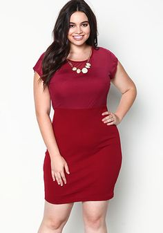 Plus Size Mesh Crepe Dress with Necklace