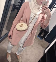 Cute and girly hijab clothing www.justtrendygir Nette und girly hijab Kleidung www. Muslim Women Fashion, Arab Fashion, Suit Fashion, Fashion Outfits, Hijab Style Dress, Casual Hijab Outfit, Hijab Chic, Girly, Look Rose