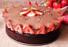 Rose's Chocolate Mousse Berry Cake Most Addictive Best Chocolate Desserts, Chocolate Mousse Cake, Chocolate Cake Mixes, Cake Recipes, Dessert Recipes, Dessert Ideas, Ribbon Cake, Let Them Eat Cake, Cupcake Cakes