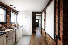 Wunderschöne Wohnung mit unkonventionellen Innenarchitektur renoviert - www.homeworlddesign.com (8)