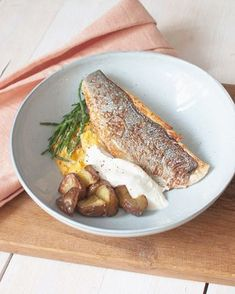 Fish Recipes, Seafood Recipes, Belgium Food, Travel Belgium, I Want To Eat, Fish And Seafood, Hot Dog Buns, Gluten Free Recipes, Clean Eating