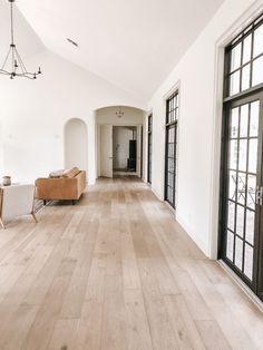 Dream Home Design, Home Interior Design, House Design, Oak Floor Stains, White Oak Floors, Modern Wood Floors, Light Hardwood Floors, Flur Design, Sala Grande