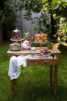 afternoon tea in the garden. . .looks so peaceful