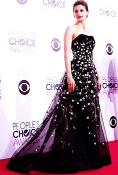 She looks absolutely stunning, I love her dress! Our Queen won again :D :D Stana Katic attends The 41st Annual People's Choice Awards