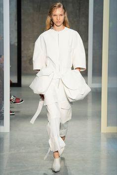 Sfilata Marni Milano - Collezioni Primavera Estate 2017 - Vogue