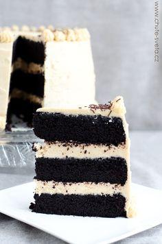 čokoládový dort s krémem z arašídového másla